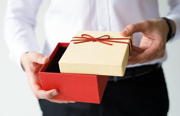 Что подарить парню на Новый год