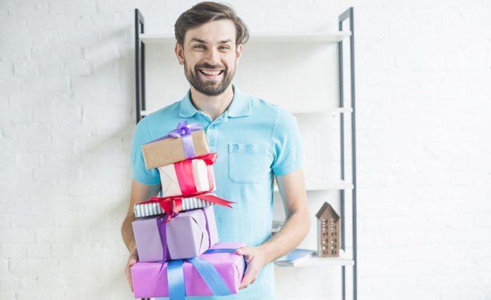 Что подарить на день рождения парню