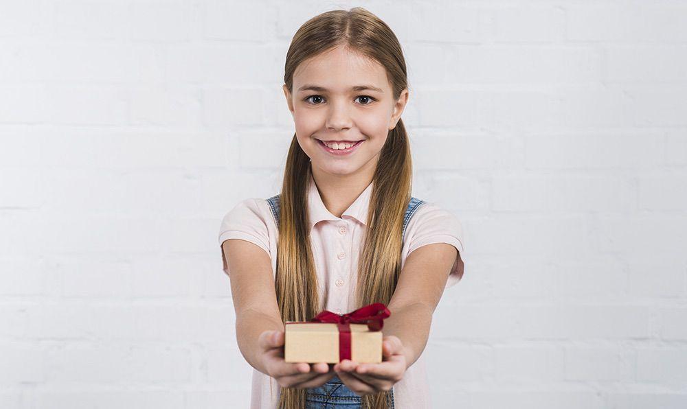 Что подарить учителю на день рождения