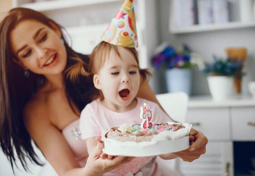 Что подарить девочке на два года