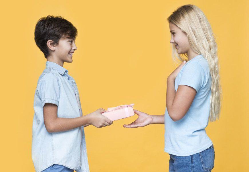 что подарить на 13 лет девочке на день рождения