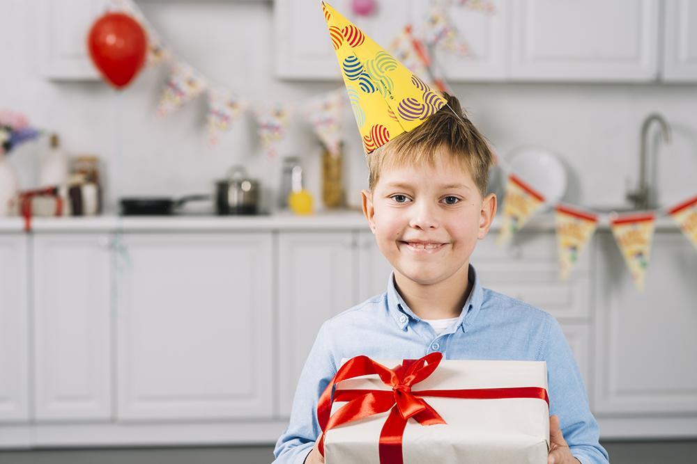 Что подарить мальчику на 12 лет на день рождения