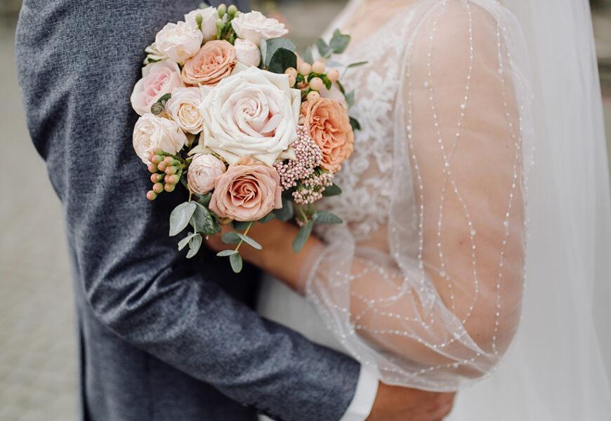 коралловая свадьба что дарить супругам